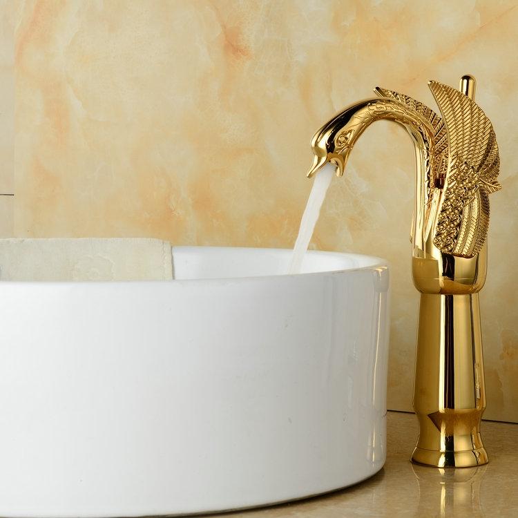 Luxe gouden kraan in de vorm van een zwaan gouden design for Waskom kraan hoog